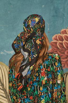 Medicine - Тънък шал Frida Kahlo