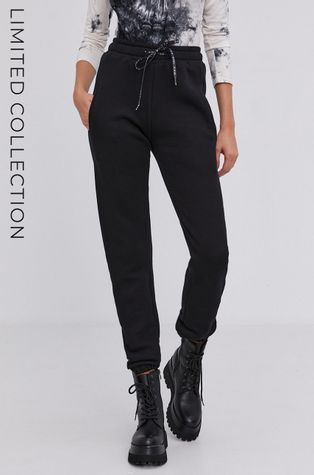answear.LAB X limitovaná kolekce GIRL POWER- Kalhoty s certifikátem OEKO a GOTS.
