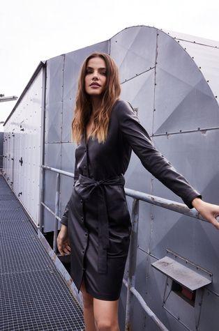Answear Lab - Kožené šaty