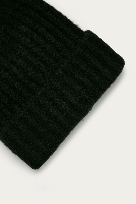 Pieces - Čepice  47% Akryl, 3% Elastan, 50% Recyklovaný polyester