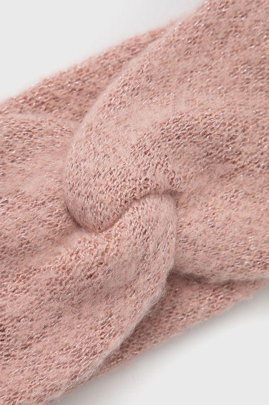 Pieces - Čelenka  50% Recyklovaný polyester , 45% Polyester, 5% Metalické vlákno