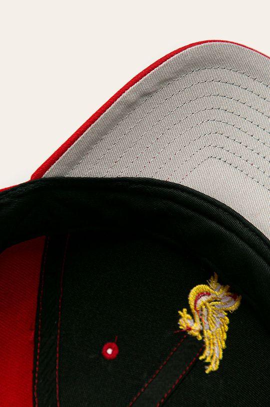 červená 47brand - Čepice Liverpool Fc