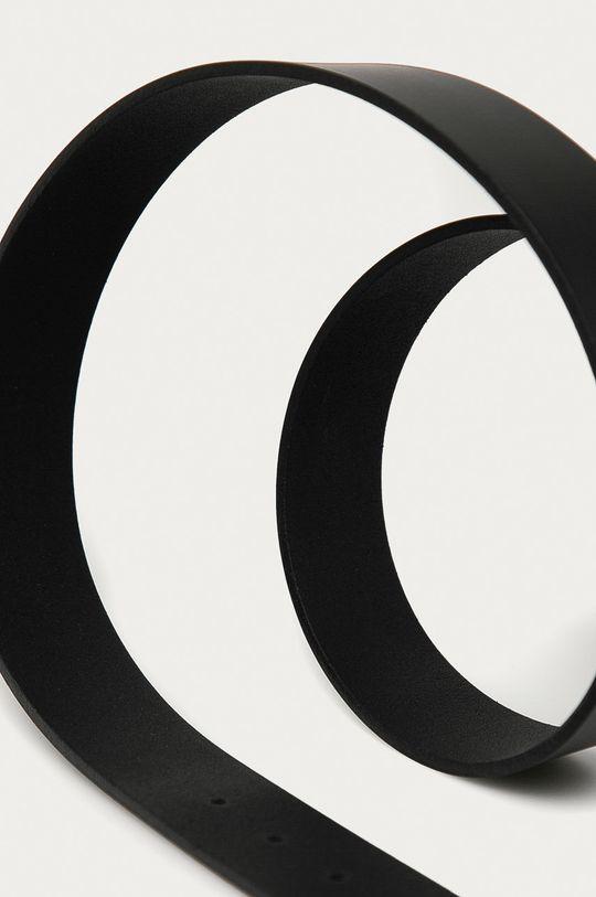 Calvin Klein - Opasok čierna