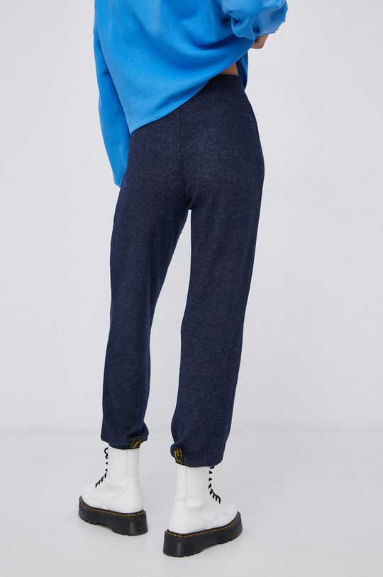 Pieces - Spodnie 4 % Elastan, 15 % Wiskoza, 81 % Poliester z recyklingu
