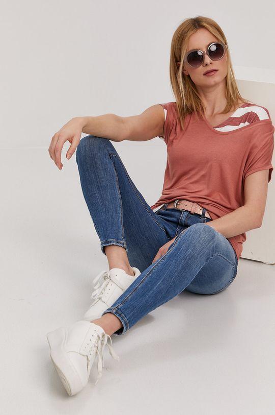 czerwony róż Pieces - T-shirt Damski