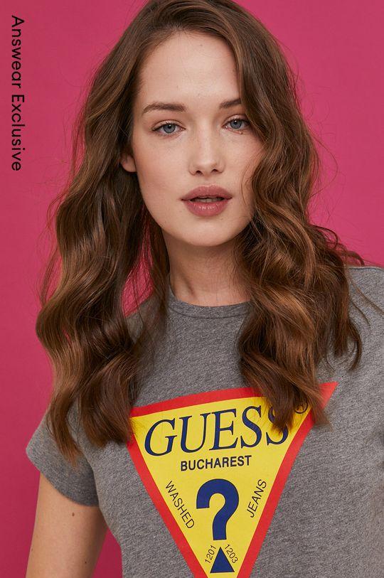 svetlosivá Guess - Tričko z narodeninovej kolekcie Dámsky