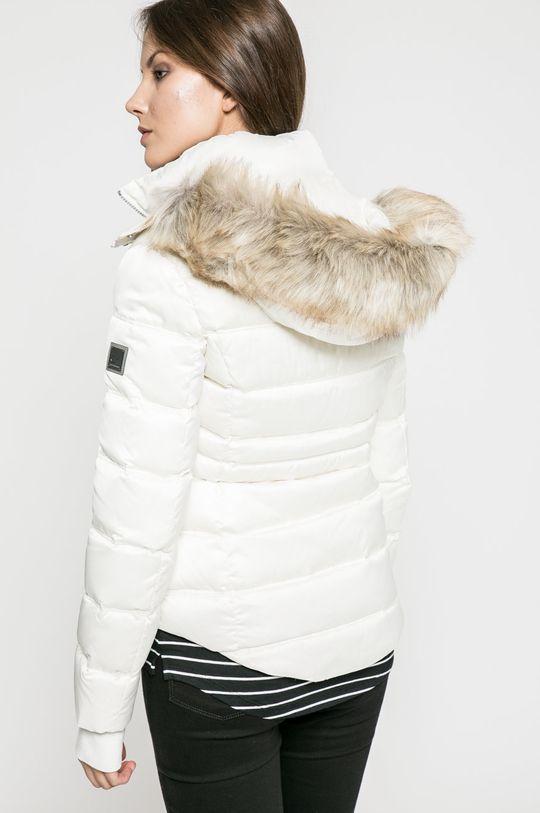 Calvin Klein Jeans - Пухено яке  Пълнеж: 30% Пера, 70% Пух Основен материал: 100% Полиестер Козина: 92% Акрил, 8% Полиестер