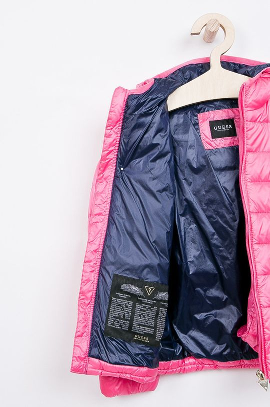 Guess Jeans - Dětská péřová bunda 118-166 cm.  Podšívka: 100% Polyamid Výplň: 10% Peří, 90% Chmýří Hlavní materiál: 100% Polyamid
