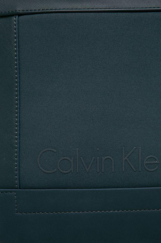Calvin Klein Jeans - Malá taška tmavomodrá