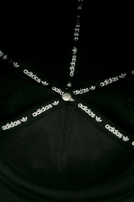 черен adidas Originals - Шапка