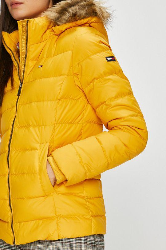 žlutá Tommy Jeans - Péřová bunda