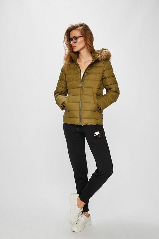 Tommy Jeans - Péřová bunda zelená
