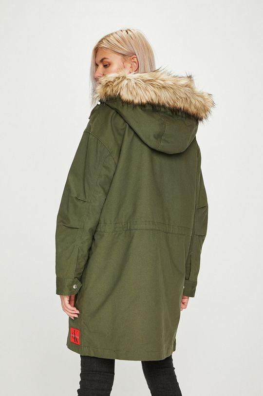 Calvin Klein Jeans - Parka Výplň: 100% Polyester Hlavní materiál: 100% Bavlna Umělá kožešina: 14% Akryl, 74% Modacryl, 12% Polyester