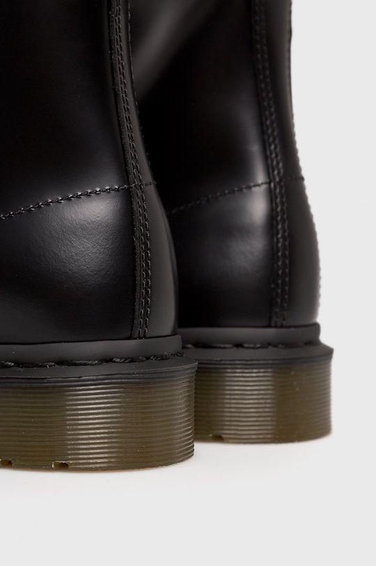 černá Dr Martens - Kotníkové boty