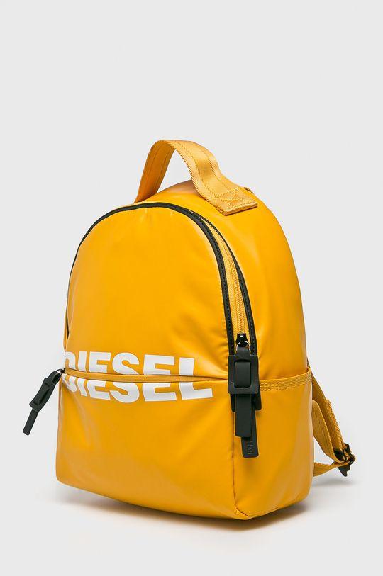 Diesel - Batoh  Hlavní materiál: 25% Polyester, 75% Polyuretan