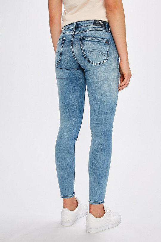 Tommy Jeans - Rifle Sophie <p>Základná látka: 99% Bavlna, 1% Elastan</p>