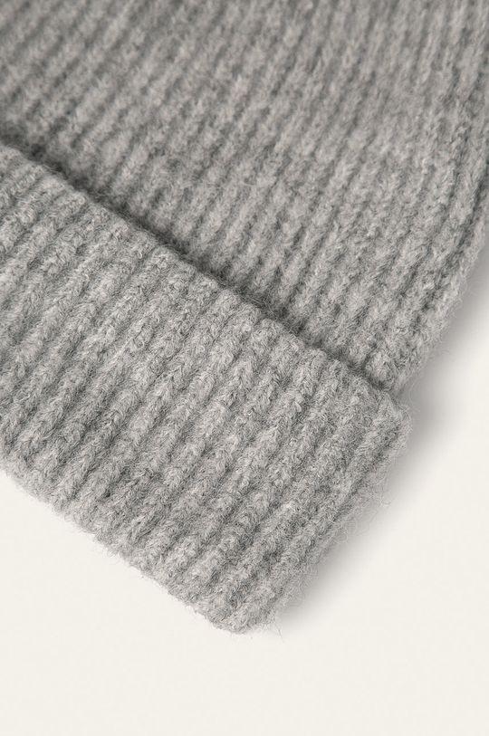 Pieces - Čepice Hlavní materiál: 75% Akryl, 25% Polyester