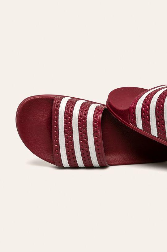 karmínová adidas Originals - Pantofle