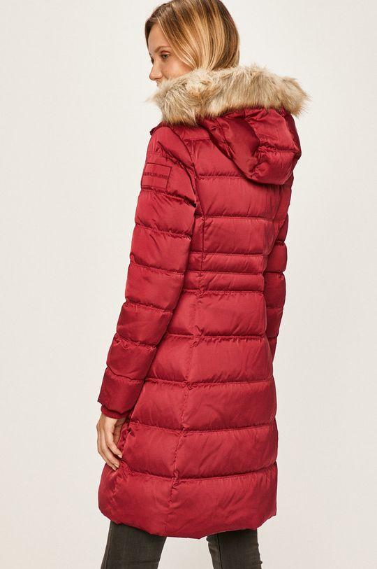 Calvin Klein Jeans - Péřová bunda Podšívka: 100% Polyester Výplň: 30% Peří, 70% Chmýří Hlavní materiál: 100% Polyester Jiné materiály: 2% Elastan, 98% Polyester Umělá kožešina: 100% Akryl