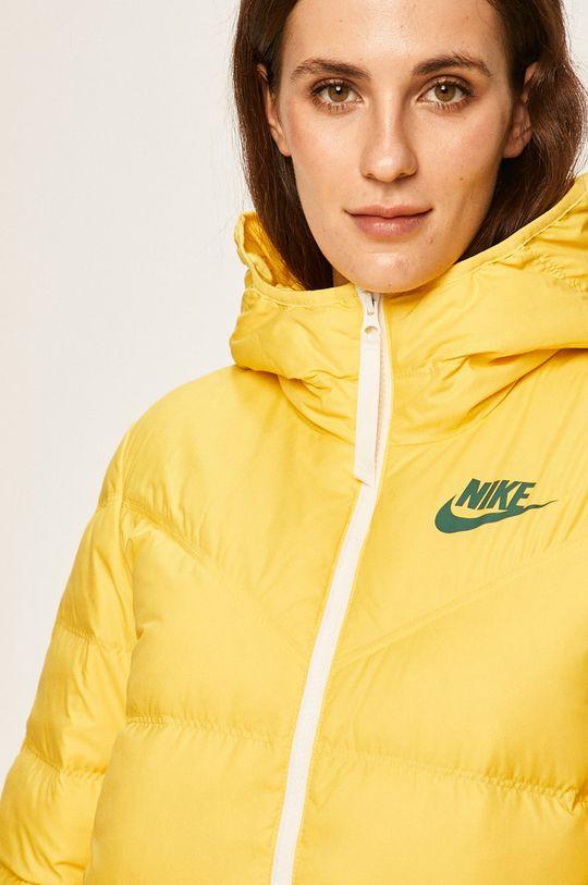 žlutá Nike Sportswear - Péřová bunda