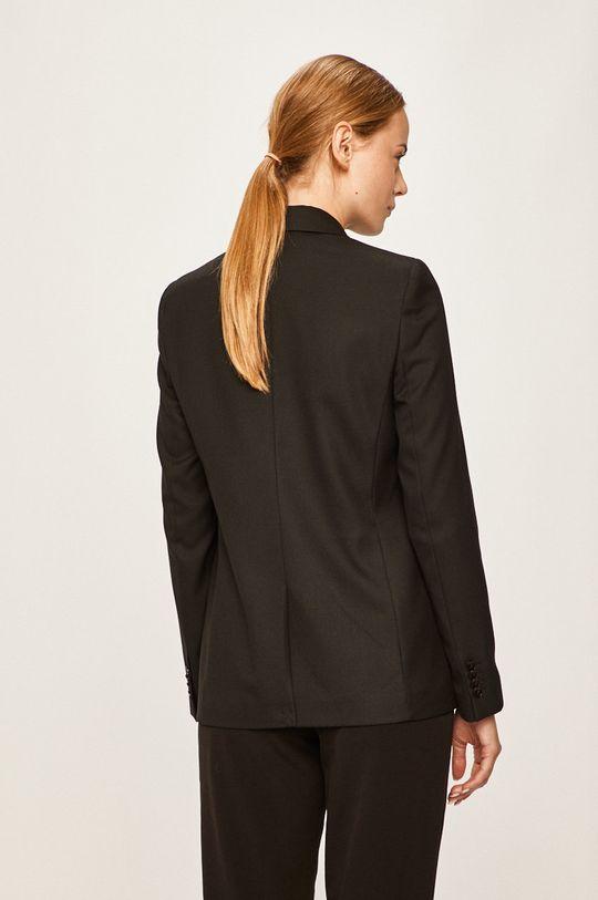 Calvin Klein - Dámske sako  Podšívka: 55% Polyester, 45% Viskóza Základná látka: 1% Elastan, 69% Polyester, 30% Viskóza Podšívka vrecka: 100% Bavlna Podšívka rukáva: 5% Elastan, 95% Polyester
