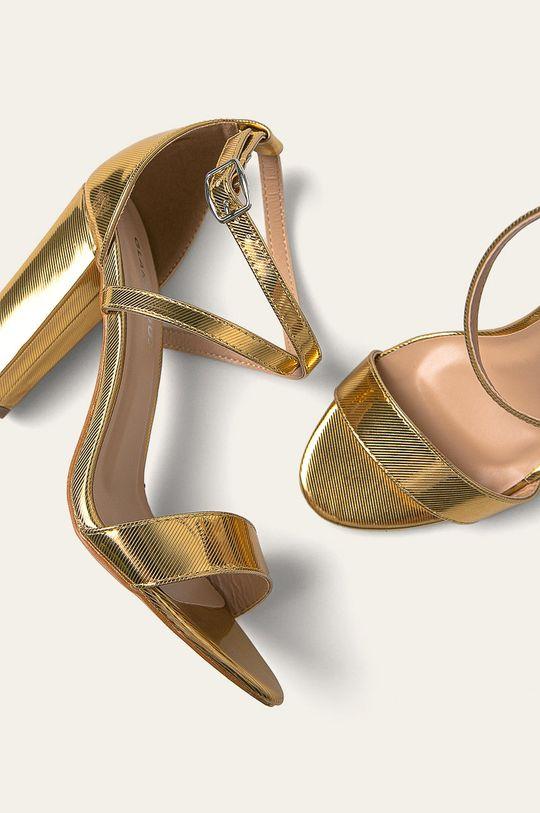 zlatá Glamorous - Sandále
