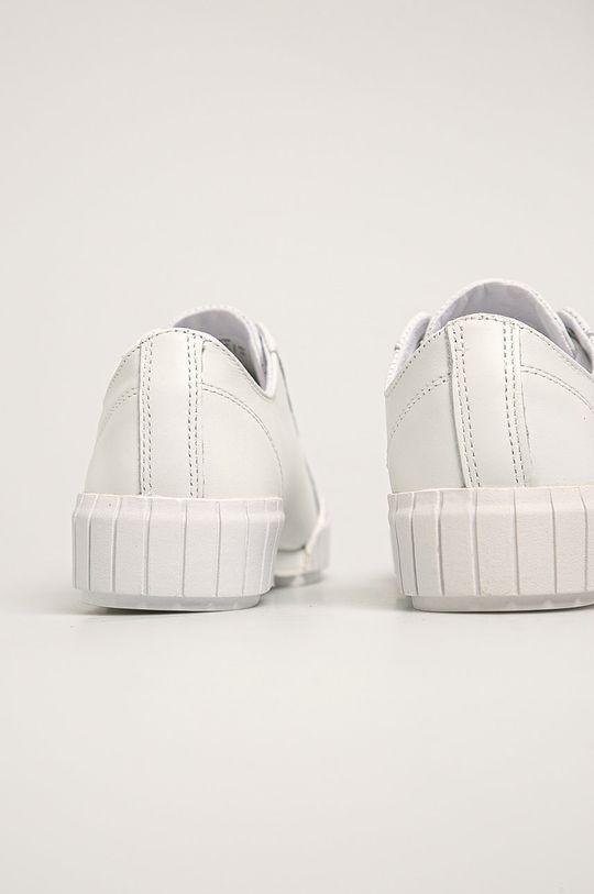 Calvin Klein Jeans - Kožené tenisky Svršek: Umělá hmota, Přírodní kůže Vnitřek: Textilní materiál Podrážka: Umělá hmota