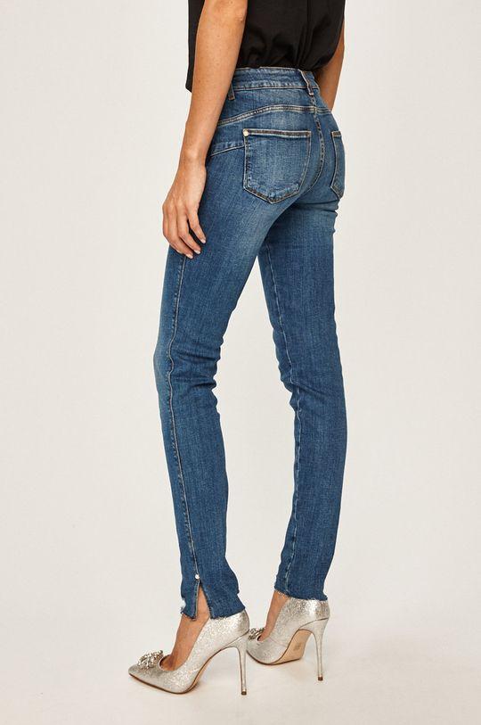 Guess Jeans - Rifle  Základná látka: 99% Bavlna, 1% Elastan Podšívka vrecka: 35% Bavlna, 65% Polyester