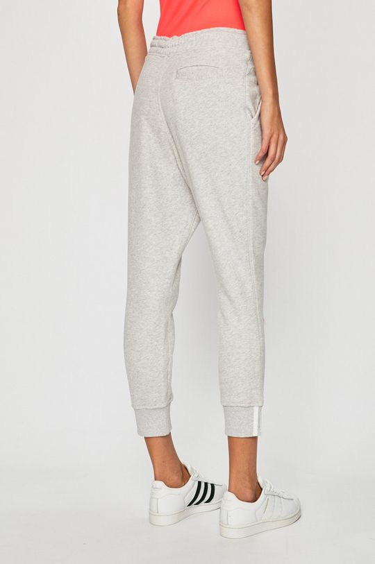 adidas Originals - Kalhoty  Hlavní materiál: 100% Bavlna Provedení: 95% Bavlna, 5% Elastan