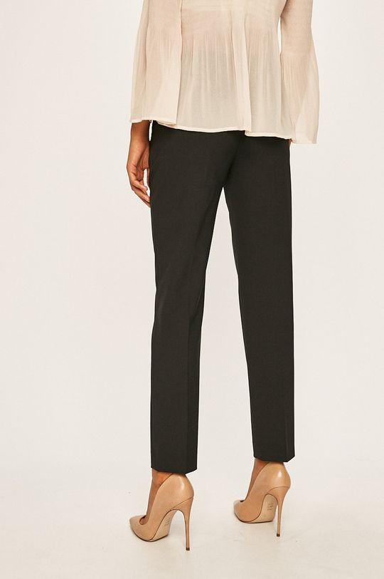 Calvin Klein - Kalhoty  Hlavní materiál: 4% Elastan, 53% Polyester, 43% Virgin vlna