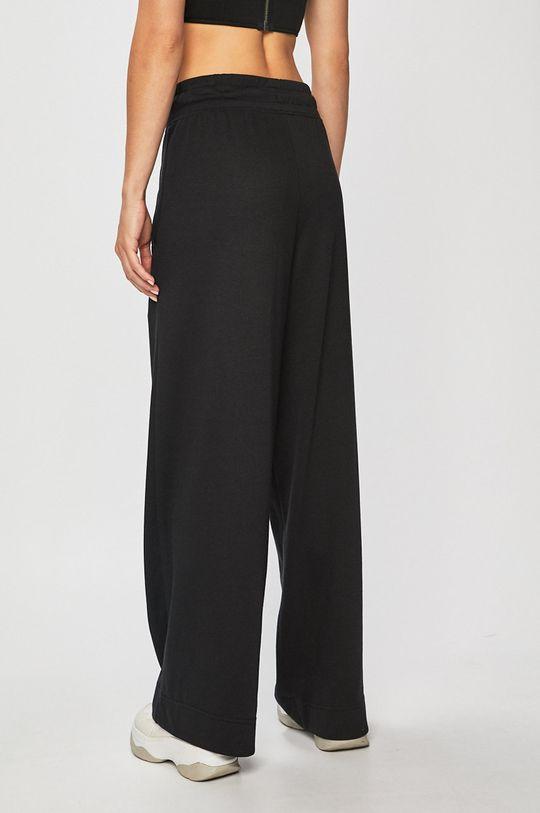 Nike Sportswear - Kalhoty  25% Bavlna, 50% Polyester, 25% Viskóza