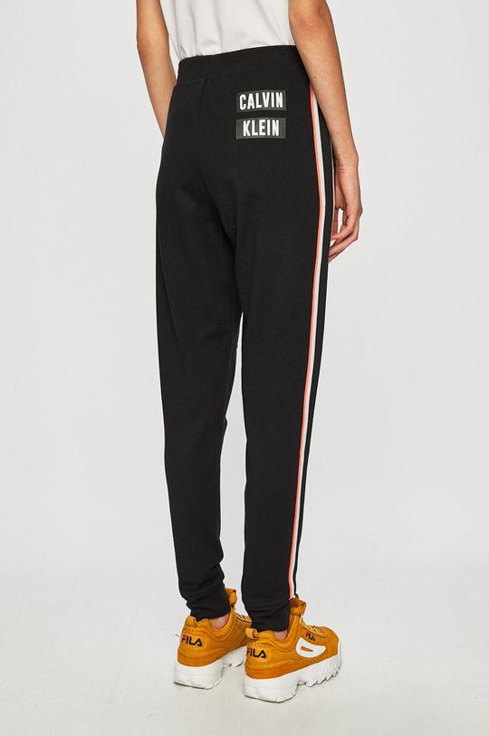 Calvin Klein Performance - Kalhoty  Hlavní materiál: 100% Bavlna Provedení: 96% Bavlna, 4% Elastan