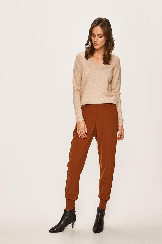 Vero Moda - Nohavice kávová