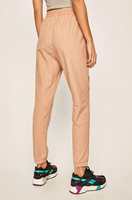 Reebok Classic - Spodnie x Gigi Hadid Materiał zasadniczy: 100 % Poliamid, Podszewka kieszeni: 100 % Bawełna
