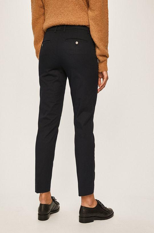 Marc O'Polo - Kalhoty Podšívka: 65% Bavlna, 35% Polyester Hlavní materiál: 97% Bavlna, 3% Elastan Podšívka kapsy: 60% Bavlna, 40% Polyester