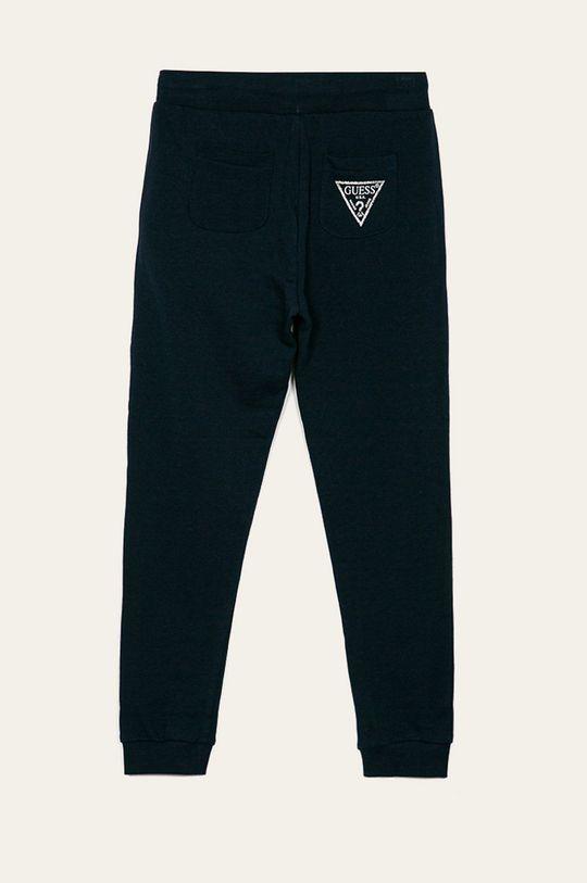 Guess Jeans - Dětské kalhoty 118-175 cm Hlavní materiál: 95% Bavlna, 5% Viskóza Provedení: 90% Bavlna, 5% Elastan, 5% Viskóza