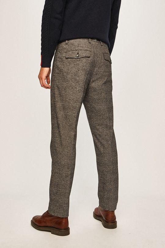 Calvin Klein - Kalhoty Hlavní materiál: 97% Bavlna, 3% Elastan Podšívka kapsy: 35% Bavlna, 65% Polyester