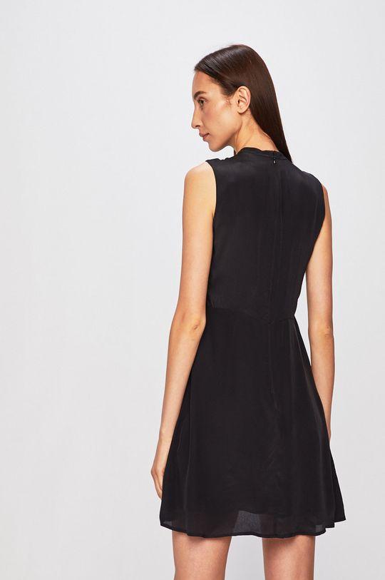 Calvin Klein Jeans - Šaty  Podšívka: 100% Polyester Hlavní materiál: 100% Viskóza