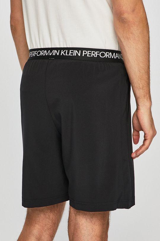 Calvin Klein Jeans - Kraťasy Podšívka: 5% Elastan, 95% Polyester Hlavní materiál: 14% Elastan, 86% Polyester