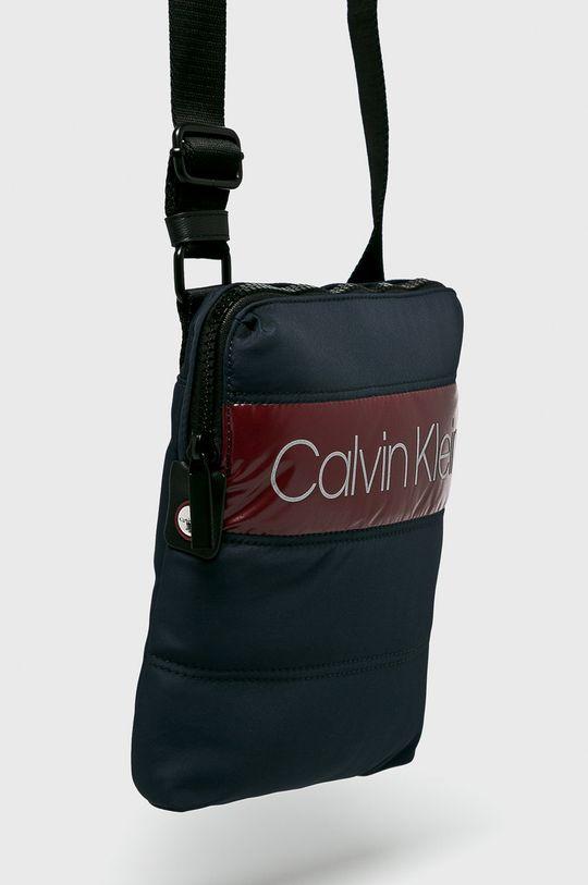 Calvin Klein - Ledvinka 98% Polyester, 2% Polyuretan