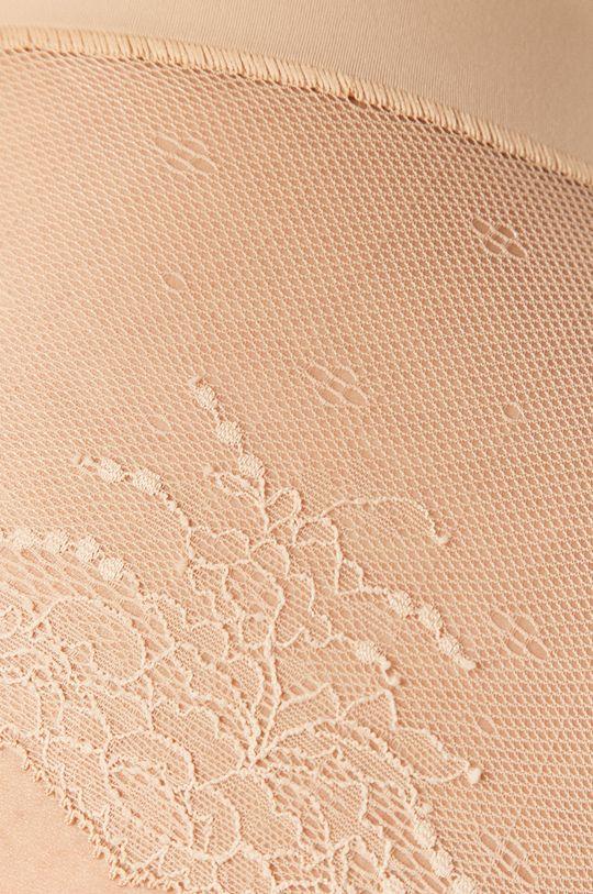 Spanx - Tvarující kalhotky Undie-Tectable Lace <p>  Hlavní materiál: 22% Elastan, 78% Nylon  Ozdobné prvky: 17% Elastan, 83% Nylon  Vložka: 100% Bavlna</p>
