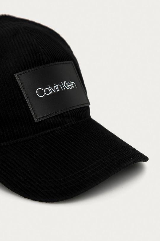 Calvin Klein - Čiapka  Základná látka: 100% Bavlna Prvky: 100% Prírodná koža