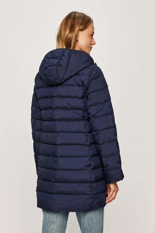 Levi's - Páperová bunda  Podšívka: 100% Polyester Výplň: 20% Páperie, 80% Kačacie páperie Základná látka: 100% Polyester Podšívka kapucne : 100% Polyester