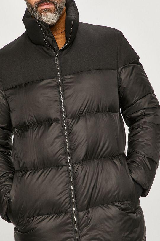čierna Hugo - Páperová bunda