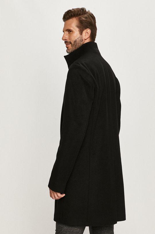 Hugo - Kabát  Podšívka: 100% Viskóza Základná látka: 10% Kašmír, 20% Polyamid, 70% Panenská vlna Iné látky: 14% Elastan, 86% Polyamid
