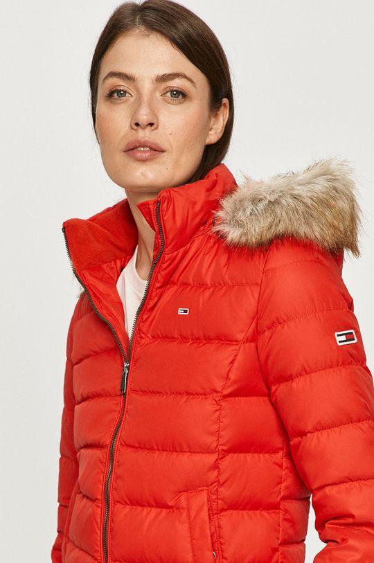 červená Tommy Jeans - Páperová bunda