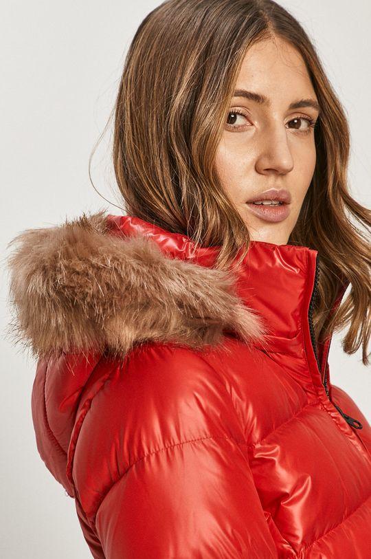 červená Calvin Klein - Péřová bunda