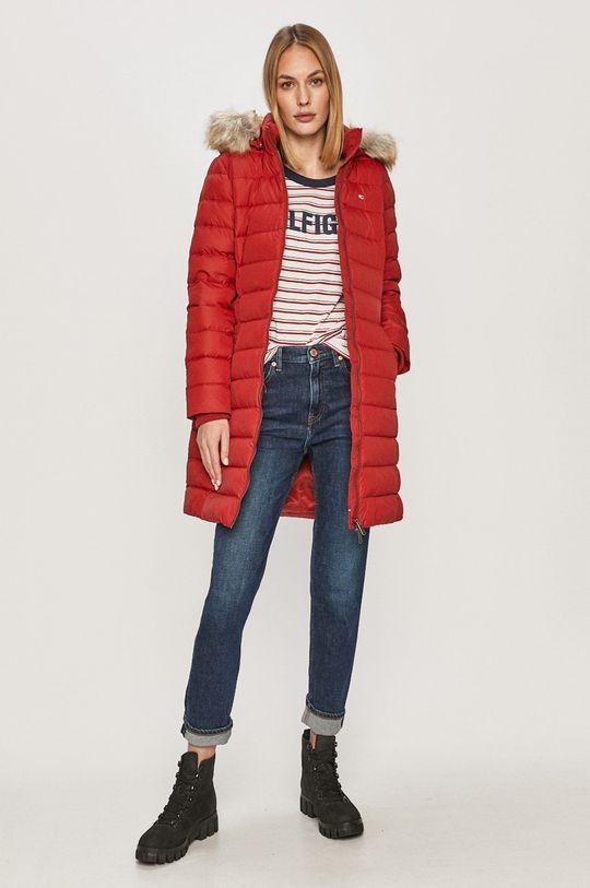 Tommy Jeans - Péřová bunda červená