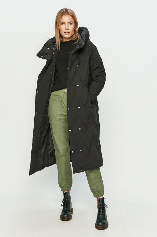 Vero Moda - Péřová bunda černá