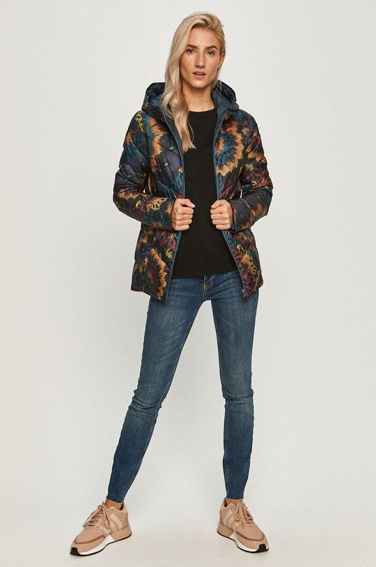 Desigual - Obojstranná bunda  100% Polyester Pokyny na ošetrovanie :  prať v pračke pri teplote 30 stupňov, nesmie sa sušiť vbubnovej sušičke , nesmie sa bieliť, žehliť pri nízkej teplote